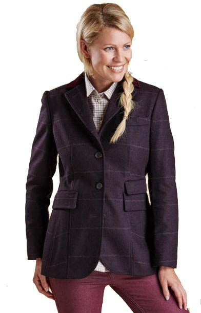 Smarten up outfits with a tailored jacket or coat. Longline silhouettes and structured fits make a classic choice – designs in navy, black and tan complement a work wardrobe. Cropped cuts in bright fabrics are a contemporary alternative to a blazer, while those in wool are a great layering option. Women; Women's Coats & Jackets; Tailored.